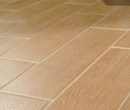 E winfatt piastrelle in gres porcellanato effetto legno rovere ciliegio 15x60 - Piastrelle color legno ...
